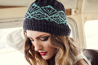 Valerian Hat - (c) Knitscene / Harper Point