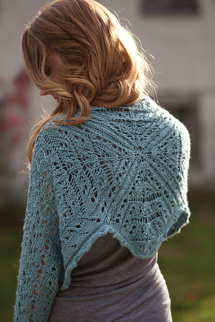 Quadro Shrug by Laura Nelkin (Knockout Knits)
