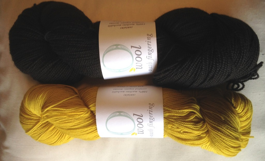 O-Wool O-Wash Fingering in Black Bear and Paw Paw