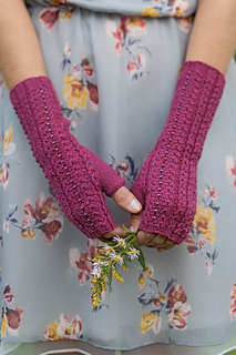 Cha-Ching Mitts by Laura Nelkin (Knockout Knits)