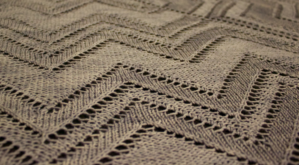 Cormier Grille Shawl by Natalie Servant - reversible lace with an Art Deco feel