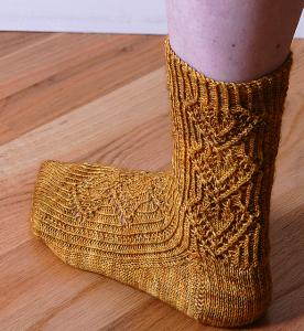 Lacy Leaf Socks by Cheryl Chow