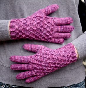 Lagniappe Gloves by Emily Ringelman