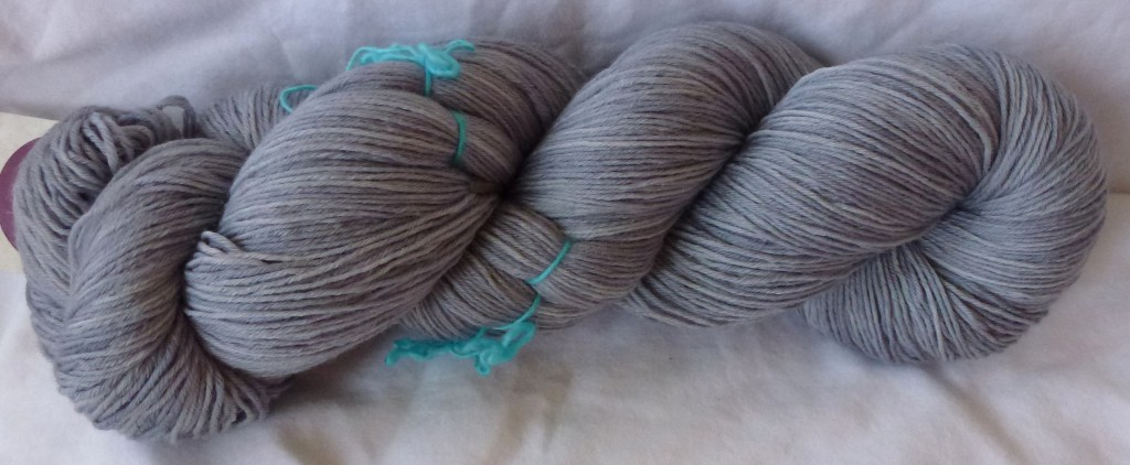 Yvieknits Yarn Merino Light Fingering